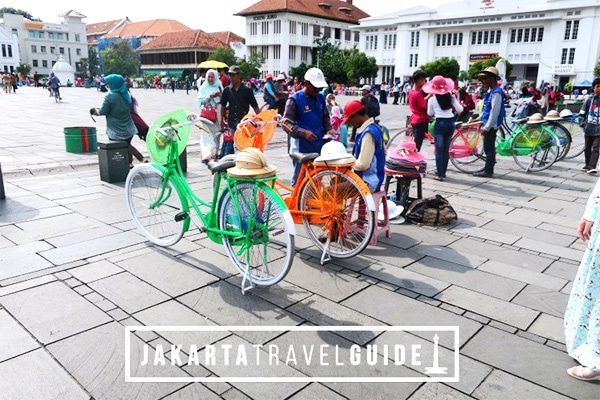 Taman Fatahillah and other attractions in Kota Tua can be accessed from Jakarta Kota Station.