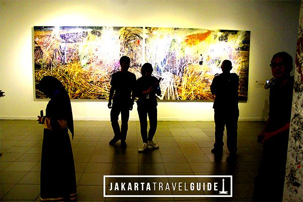 National Gallery of Indonesia. This is a very popular art gallery that showcases some of the best artwork in Indonesia. It is located directly east of the Monas, minutes from Gambir Train Station.